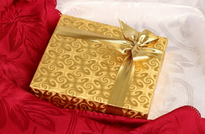 Out-of-the-box Gift Ideas for your Favorite Couple
